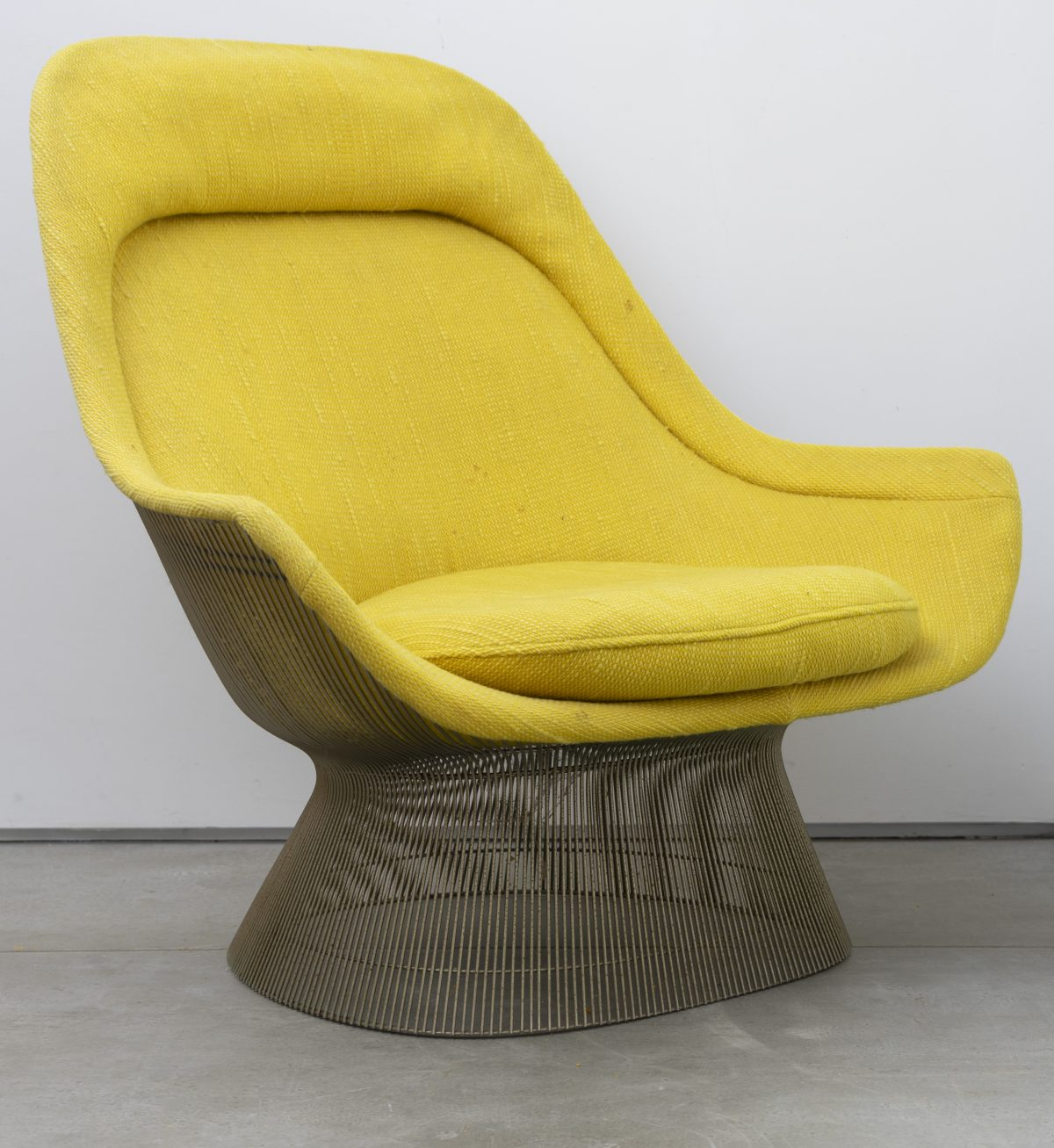 Warren Platner for Knoll - Pair of Lounge Chairs and Ottoman