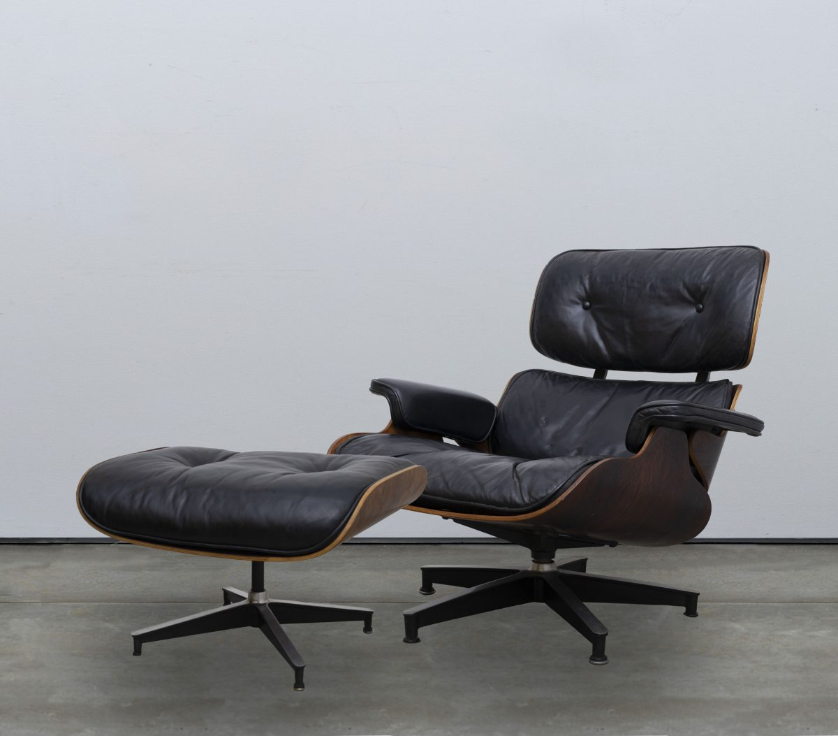 Awe Inspiring Charles And Ray Eames For Herman Miller Eames Lounge Chair Machost Co Dining Chair Design Ideas Machostcouk