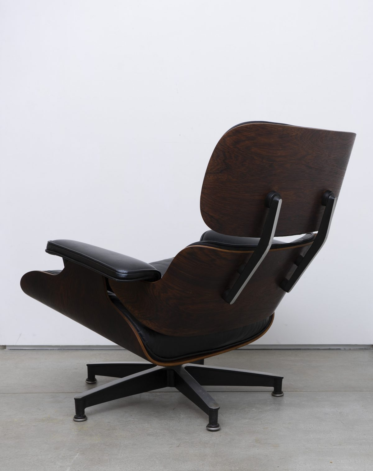 Sensational Charles And Ray Eames For Herman Miller Eames Lounge Chair Machost Co Dining Chair Design Ideas Machostcouk