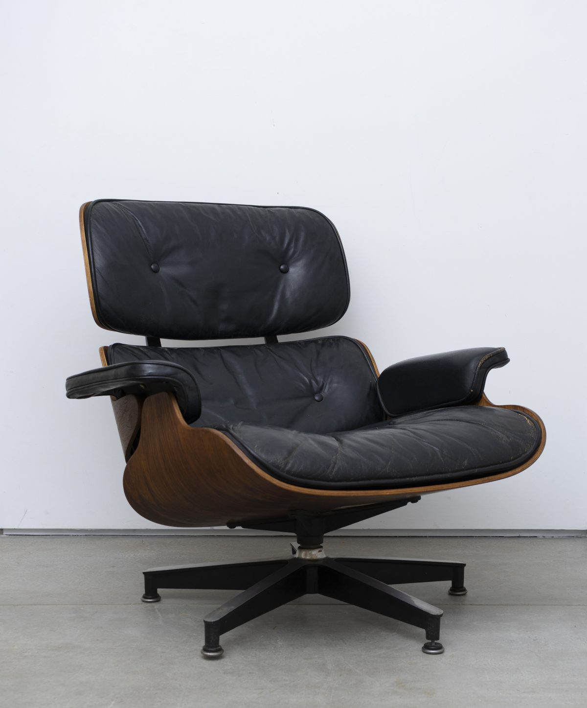 Charles and Ray Eames - Lounge 2