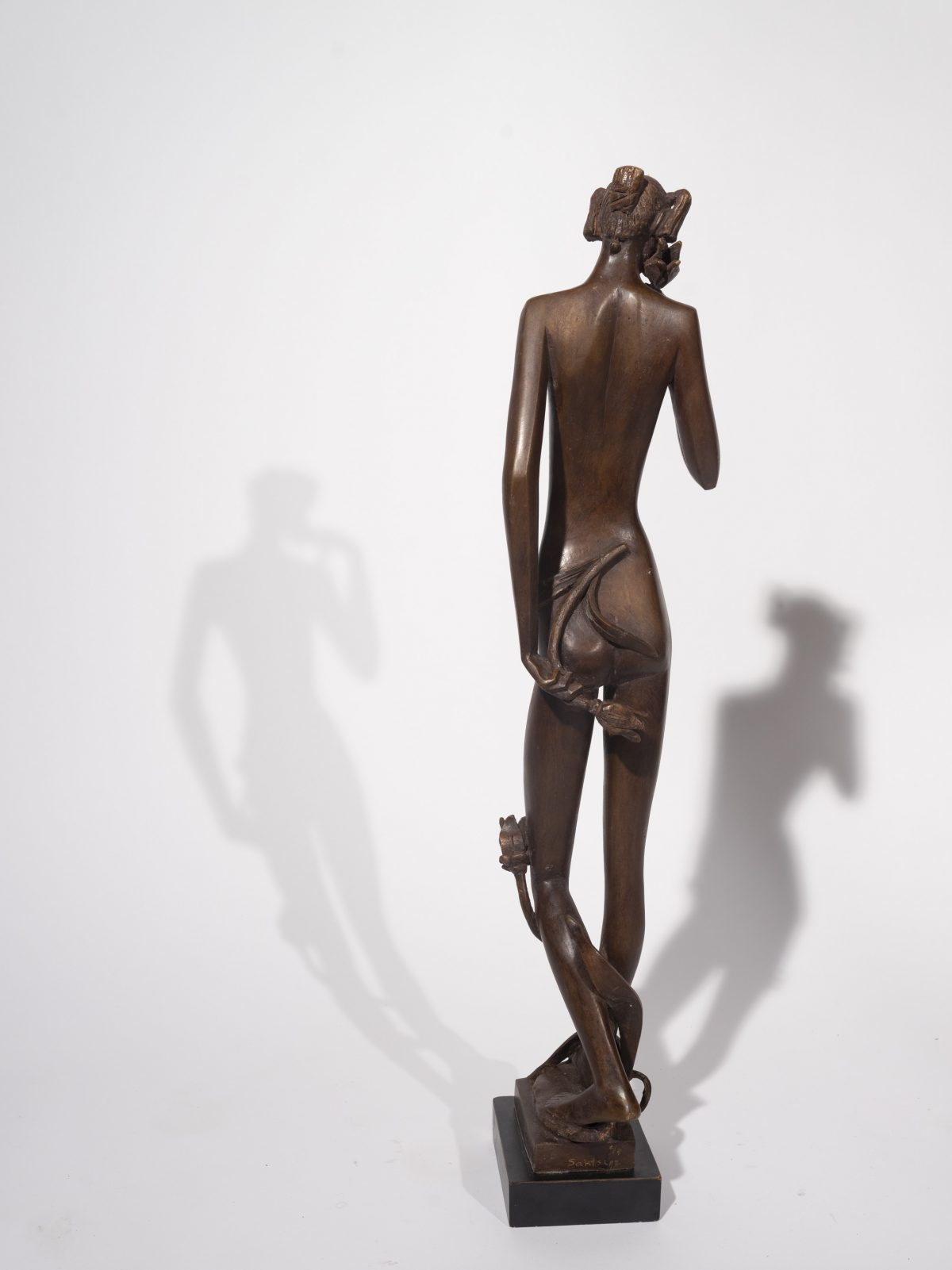 Baruch Saktsier - Standing Nude with Flowers