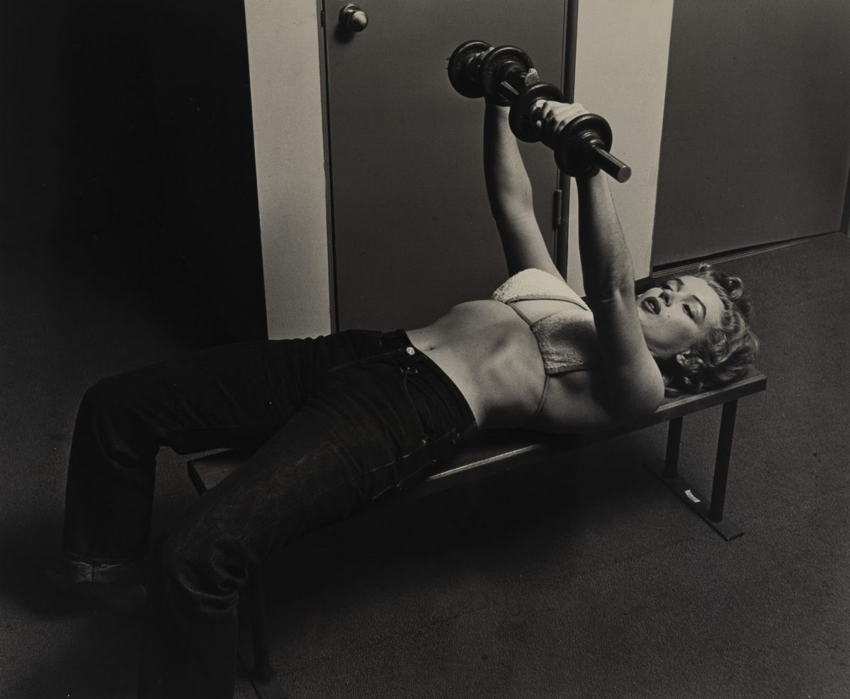 Philippe Halsman - Marilyn with Barbells
